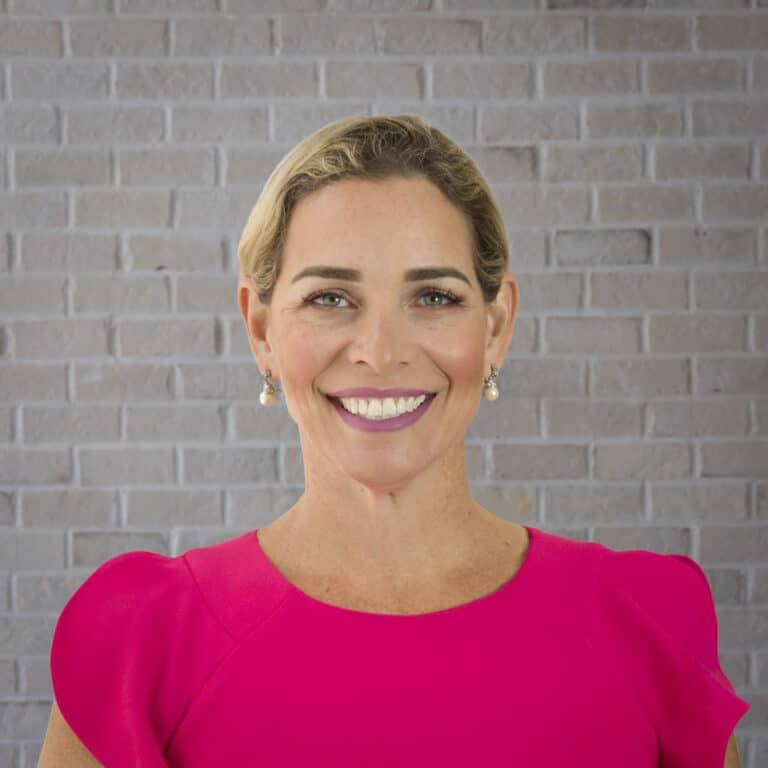 Elena Adames