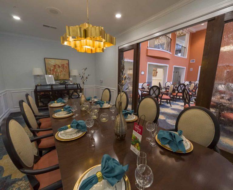 Harbor Chase of Mandarin Dining Room