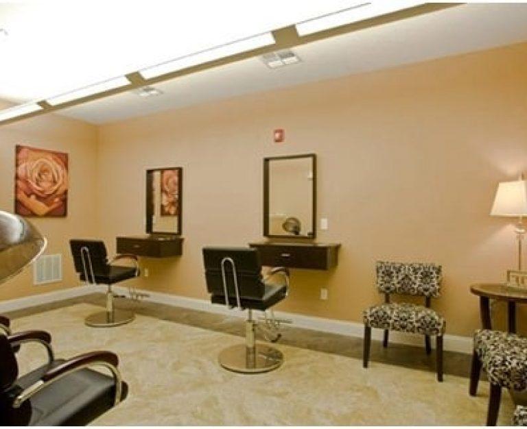Marcis Pointe Salon Room